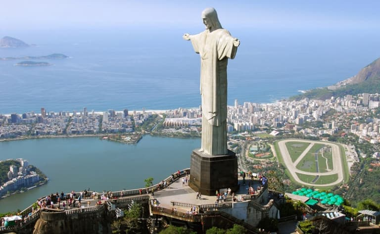 Le Corcovado et les superbes plages de Rio