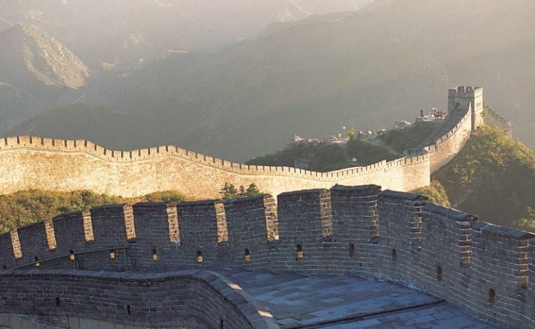 Grande Muraille Mutianyu, Fabrique de cloisonnés, les Tombeaux Ming et la Voie Sacrée