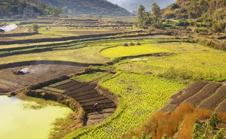 Village pittoresque et paysages fantasmés