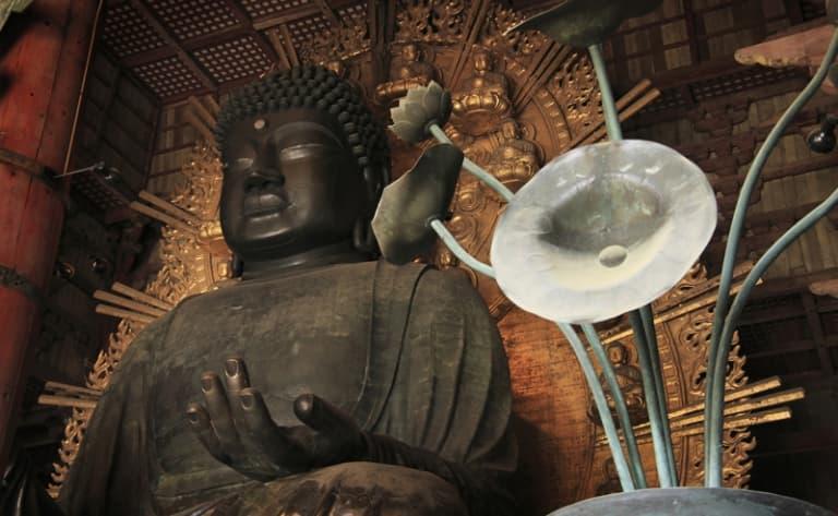 Nara and its bronze Buddha, the biggest in Japan