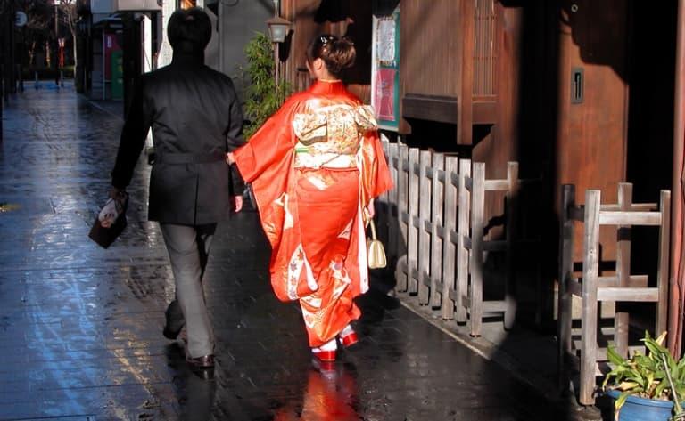 Visit the historical samurai districts