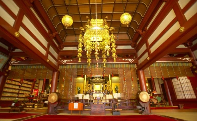 Visit temples and spend the night in a monastery (shukubo)