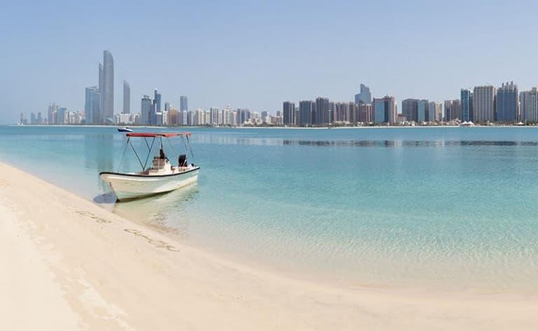 En route pour la plage et l'étonnante Abu Dhabi
