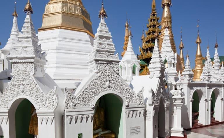 Pagodes, monastères et Stupas