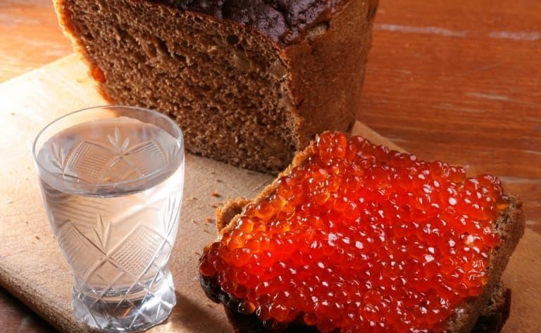 Dégustation de vodka et caviar rouge