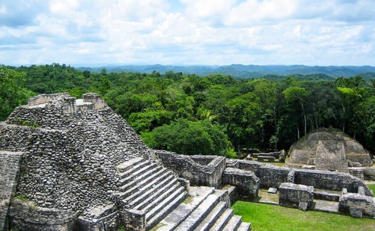 Le site Maya, le plus important du Belize…