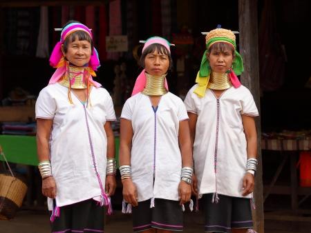 Sur les terres Padaung