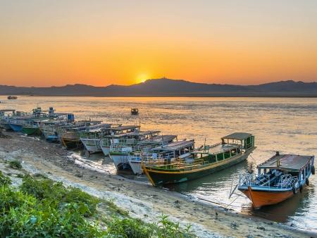 Sur les rives de l'Irrawaddy