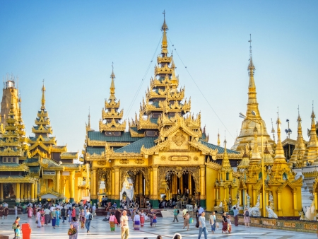 Vie locale et religieuse à Yangon