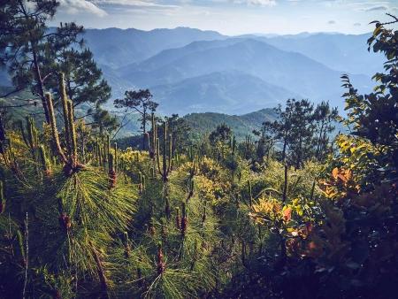Ascension de la montagne Weibaoshan