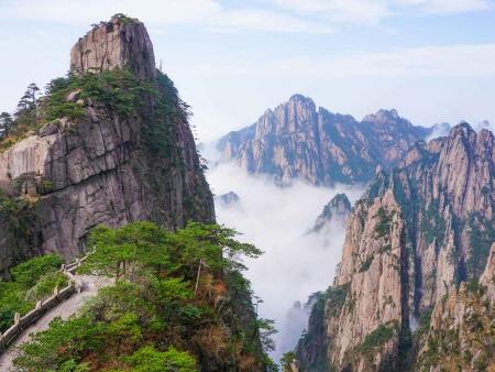 Dans les nuages au Mont Huangshan