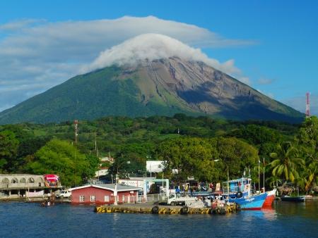 Tour de l'île en vélo, entre le volcan Concepción et le volcan Maderas