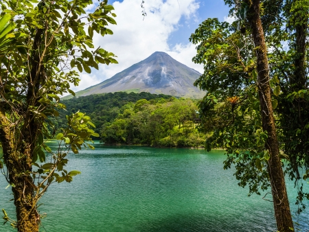 Arenal, pays des volcans