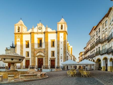 Evora, ville blanche de l'Alentejo