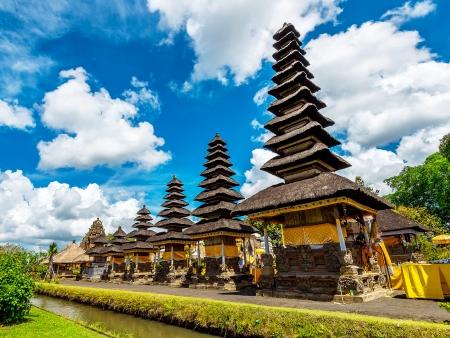Taman Ayun et Tanah Lot : temples sacrés de Bali