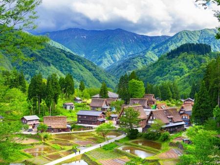 Le village authentique de Shirakawa-go