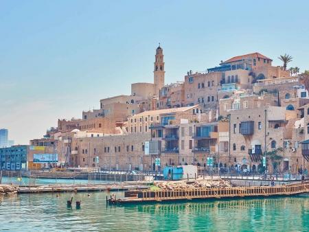 En remontant le long de la Méditerranée