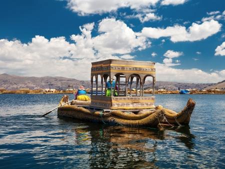 Le lac Titicaca et ses îles Titinos