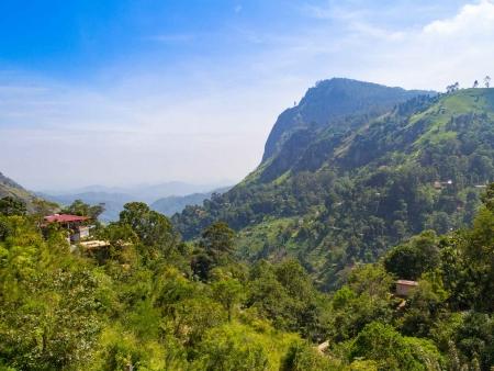 Ella, village perdu dans les montagnes