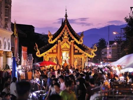 Marchés artisanaux et quartier colonial de Chiang Mai