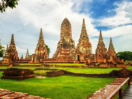 Ayutthaya en tuk tuk et Uthai Thani en bateau