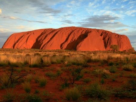 Coucher de soleil sur les roches pourpres