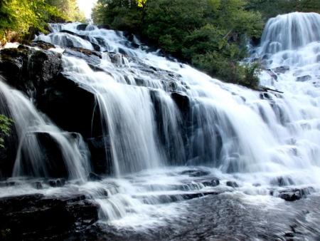 Baignade dans les chutes de Wabers