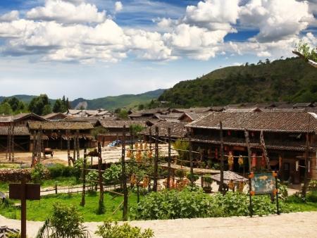 Village Baisha, Lamasserie de Yufeng Si et La Montagne enneigée du Dragon de Jade