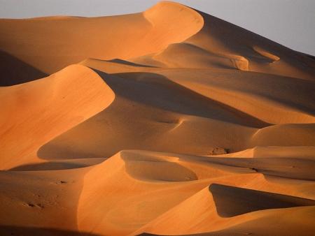 Du canyon ocre au sable orangé du désert