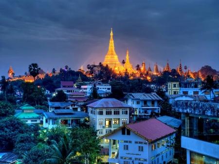 Yangon: patrimoine colonial et religieux