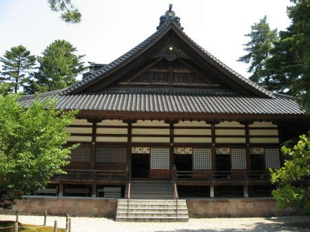 Kenrokuen garden, residence of the samurai Nagamachi and Geisha district