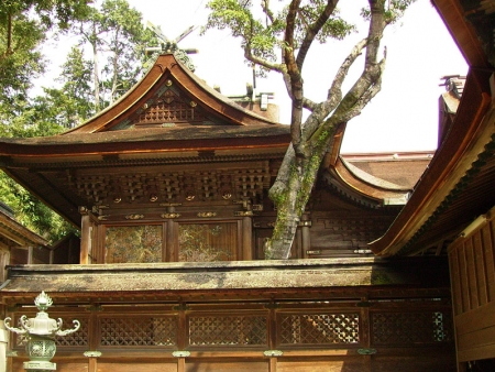 Shikoku's Shinto shrine: Kompira-san, Kabuki theatre and Ritsurin Park