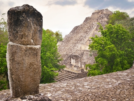 Les temples dans la jungle