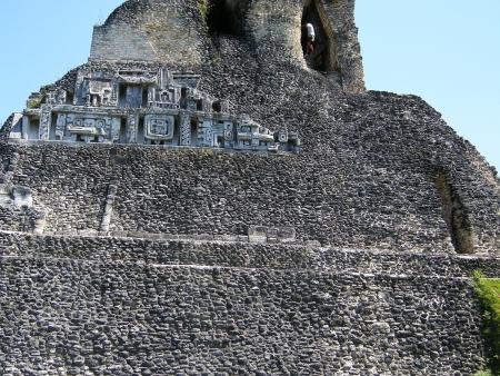 La grotte Actun Tunichil Muknal