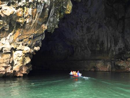 Grottes, forêt tropicale et site Mayas