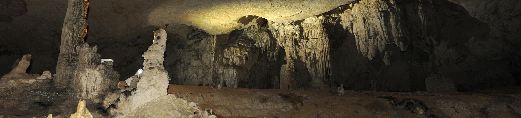 Exploration de la grotte de Kong Lor